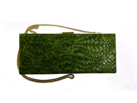 Shop ANTONELLO SERIO  BORSA: BORSA POCHETTE VERDE MUST HAVE ANTONELLO SERIO DONNA ECOPELLE, TESSUTO INTRECCIATO, BORDO IN METALLO DORATO, TRACOLLA DORATA IN SIMIL CATENA REMOVIBILE, APERTURA A SCATTO, INTERNO FODERATO. LUNGHEZZA TRACOLLA 112 CM, LARGHEZZA 30 CM, ALTEZZA 12 CM
